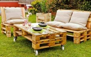 masa si fotolii din paleti de lemn pentru terasa sau gradina