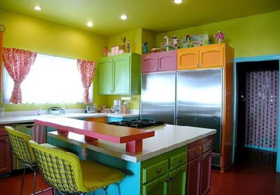 mobila bucatarie colorata