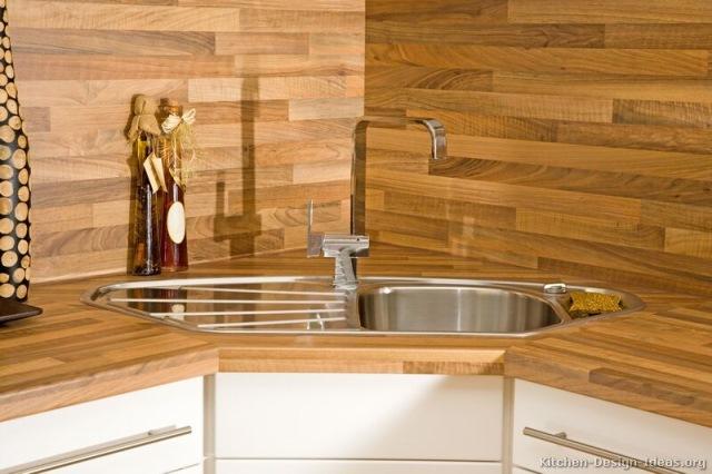 mobila bucatarie moderna cu chiuveta pe colt