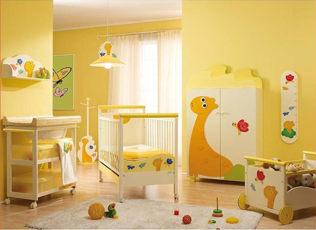 mobila lemn pictat camera bebelus