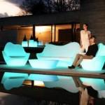 Mobilier de exterior care lumineaza in intuneric – Vondom