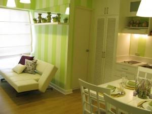 mod amenajare apartament mic bucatarie si sufragerie open space