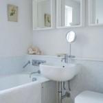 model amenajare baie mica cu cada wc si lavoar