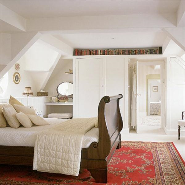model amenajare dormitor clasic mansarda