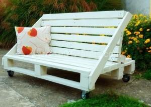 model bancuta din lemn pentru gradina confectionata din paleti reciclati
