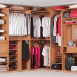 model compartimentare si organizare interioara dressing pe colt