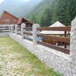 model gard beton lemn