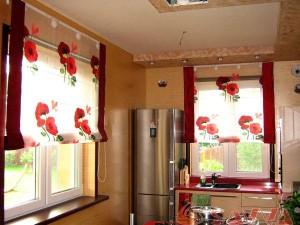 Storuri romane, la ferestrele casei