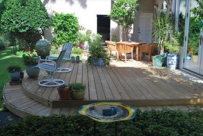 model terasa din lemn pentru curte mica – CasaDex.ro