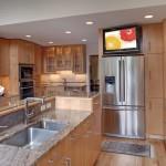 montare televizor deasupra combinei frigorifice bucatarie