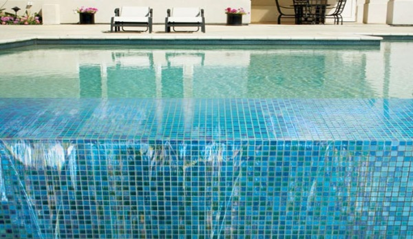 mozaic sticla piscina