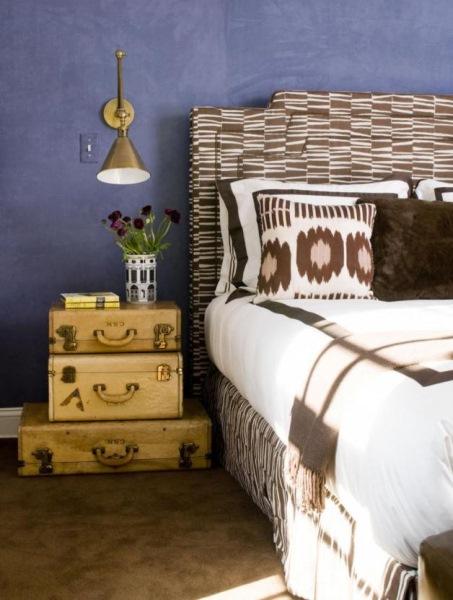 noptiera dormitor din valize vechi