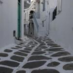 o strada mai lata din capitala insulei Mykonos
