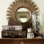 oglinda decorativa in rama de alama perete dormitor aspect vintage