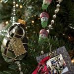 ornament brad grenada si ghirlanda bin laden