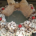 Coronita rustica de Craciun din conuri de brad – un ornament handmade VIDEO