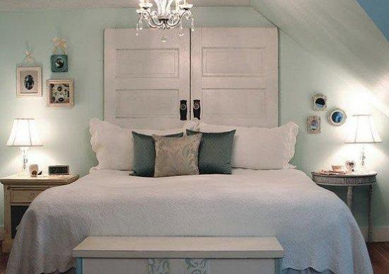 panou decorativ capul patului din usi din lemn vechi reciclate