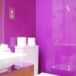 Panouri colorate din sticla pentru baie