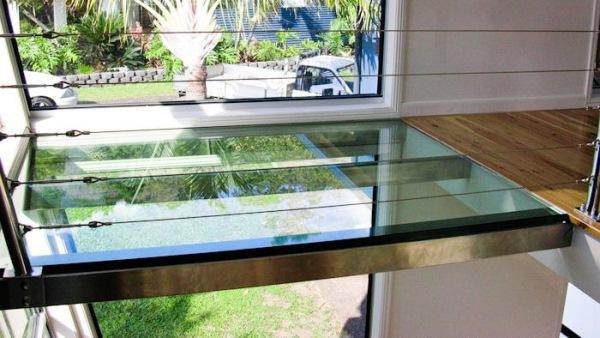 pardoseala sticla plafon intermediar