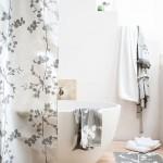 perdea de dus in alb si negru decor baie minimalista stil asiatic