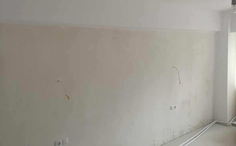 perete alb dorit cappuccino