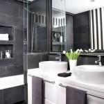perete despartitor baie moderna alb si negru
