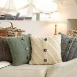 Cum poti transforma puloverele vechi in pernute decorative – GALERIE FOTO
