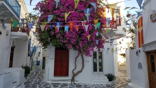 piateta in inima capitalei Mykonos