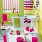 prosoape textile si accesorii colorate decor baie moderna
