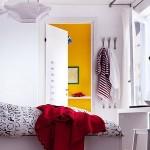 rafturi carti suspendate de tavan dormitor