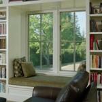 rafturi decorative deasupra si in laterale fereastra