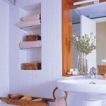 rafturi incastrate depozitare prosoape baie moderna