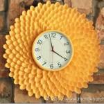 rama crizantema handmade pentru ceas perete din linguri plastic