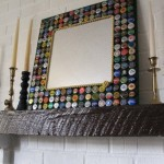 rama oglinda handmade decorata cu capace metalice reciclate