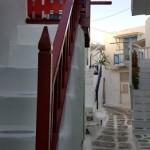 scara de acces intr-o casa din Mykonos