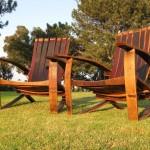 scaune gradina din butoaie vechi de lemn