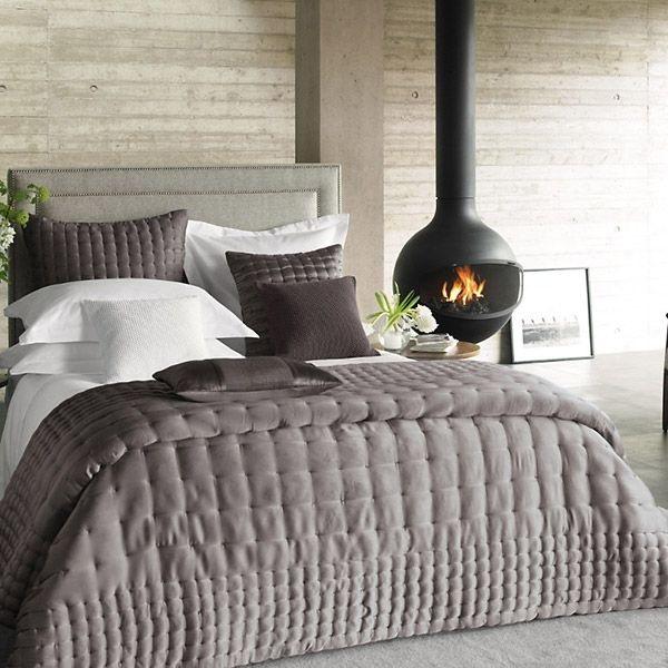 semineu design modern suspendat din tavan dormitor