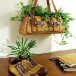 set decorativ aranjament floral din poseta si ghete vechi