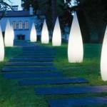 Corpuri de iluminat de exterior alimentate cu energie solara, o solutie economica pentru gradina