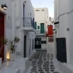 straduta pitoreasca din centrul capitalei Mykonos