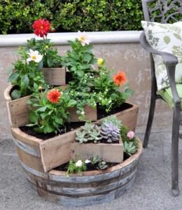 suport aranjament floral gradina