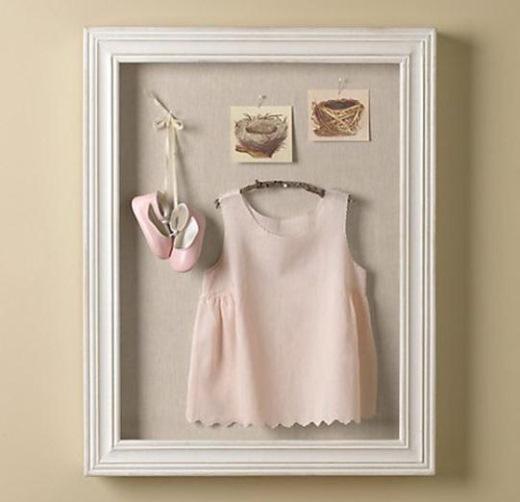 tablou in relief din rochita si pantofiori fetita