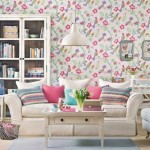 tapet imprimeu floral decor living amenajat in stil clasic