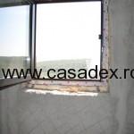 tencuiala langa geam