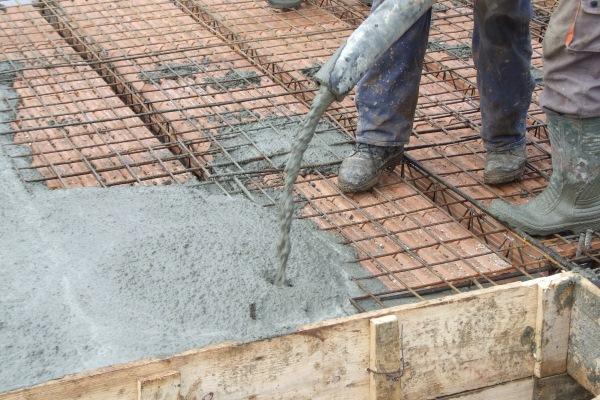 turnare beton planseu ceramic