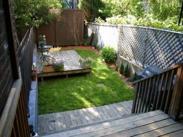 varianta amenajare curte mica terasa platforma inaltata lemn