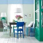 varianta asortare scaune colorate bucatarie cu textile colorate