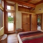 vedere spre terasa din dormitor matrimonial casuta lemn